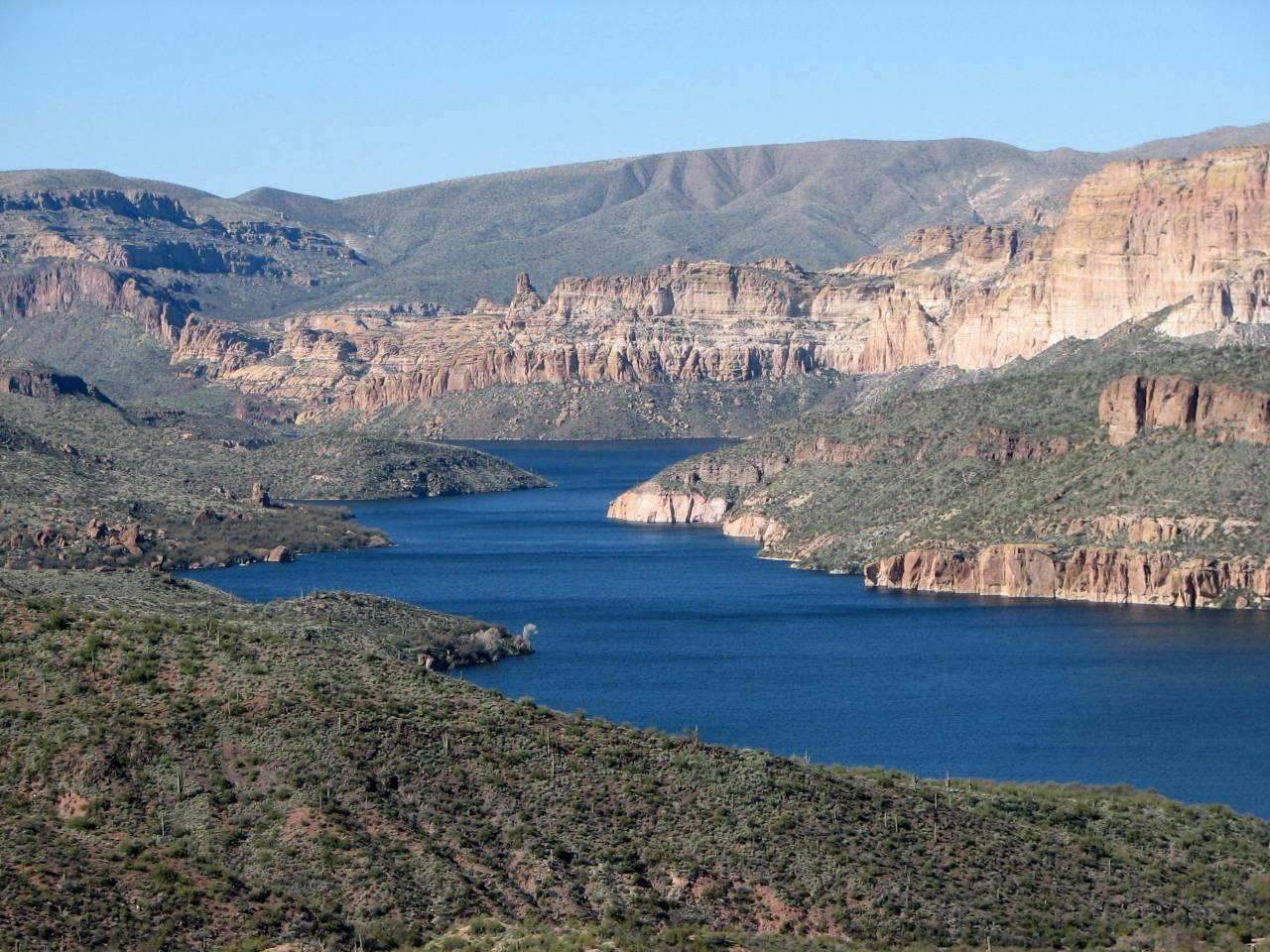 Apache_Lake_02