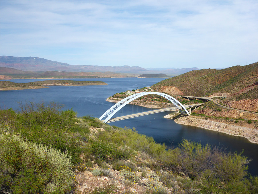 roosevelt-lake-bridge2