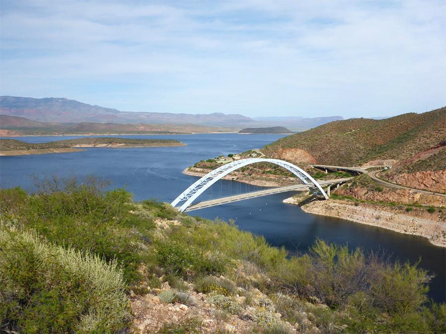 roosevelt-lake-bridge2